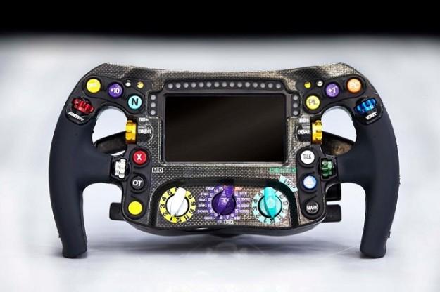 Mercedes-w05-volante