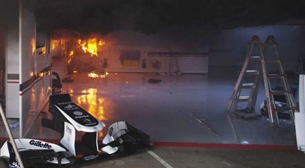 Incendio ai box Williams - 2012